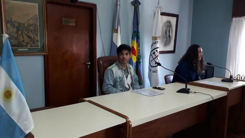 Alumnos que participarán del Parlamento Juvenil del Mercosur realizaro