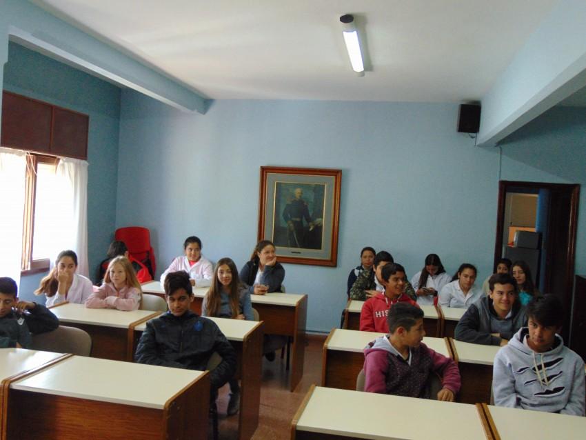 Visita al H.C.D de alumnos de Segundo año segunda división pertenecien