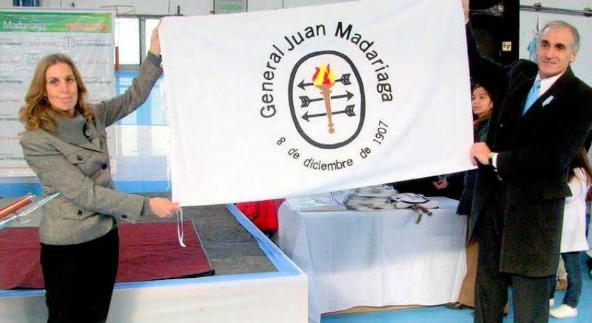 El HCD recibió la Bandera Oficial de la Municipalidad de General Juan Madariaga