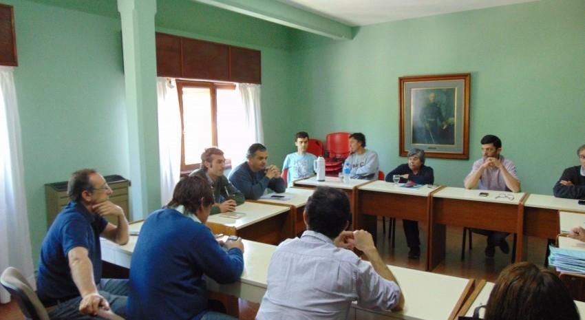 Reunión de Comisión con Funcionarios del D.E.